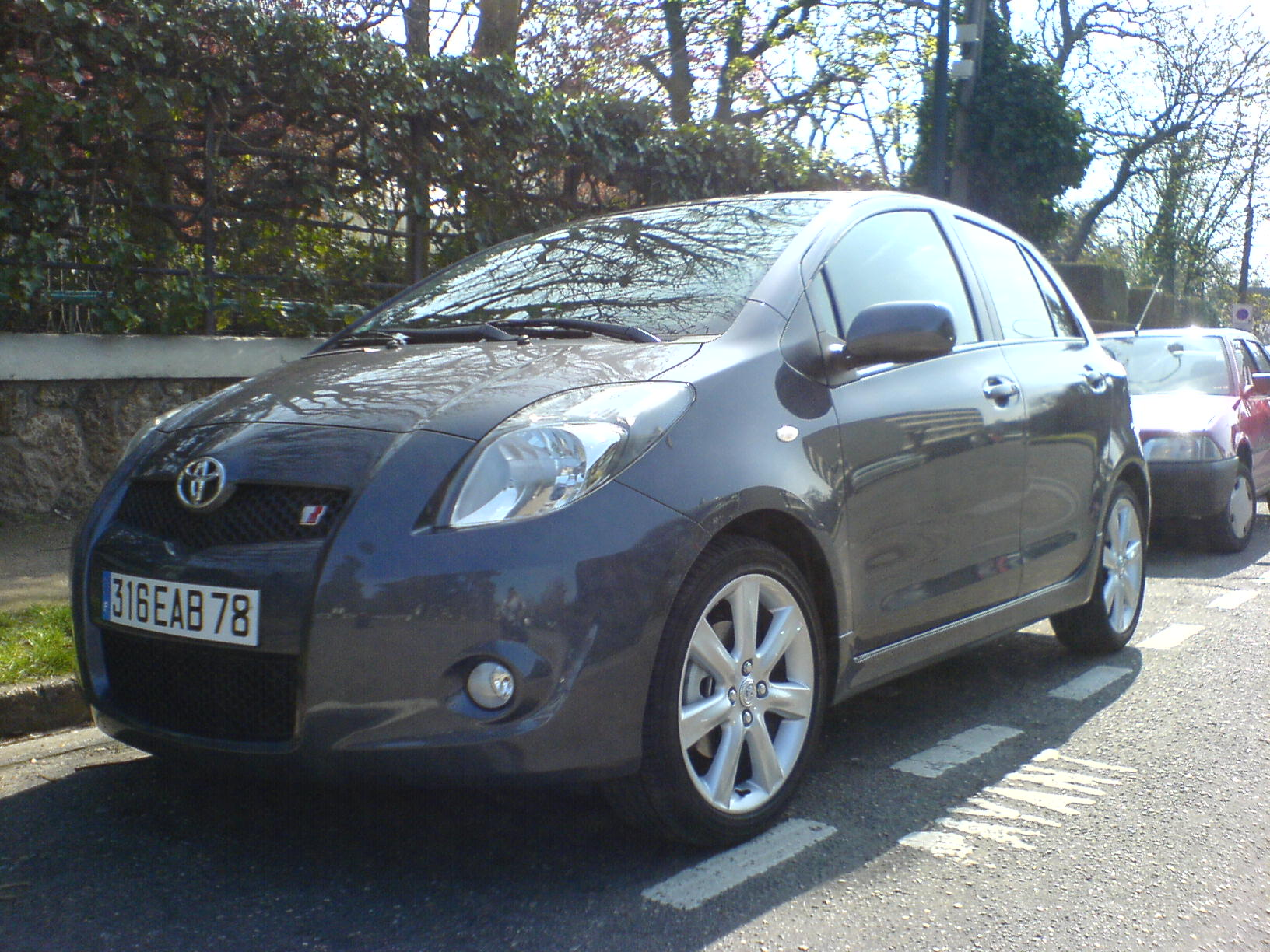 voiture occasion toyota yaris de 2007 6 000 km. Black Bedroom Furniture Sets. Home Design Ideas