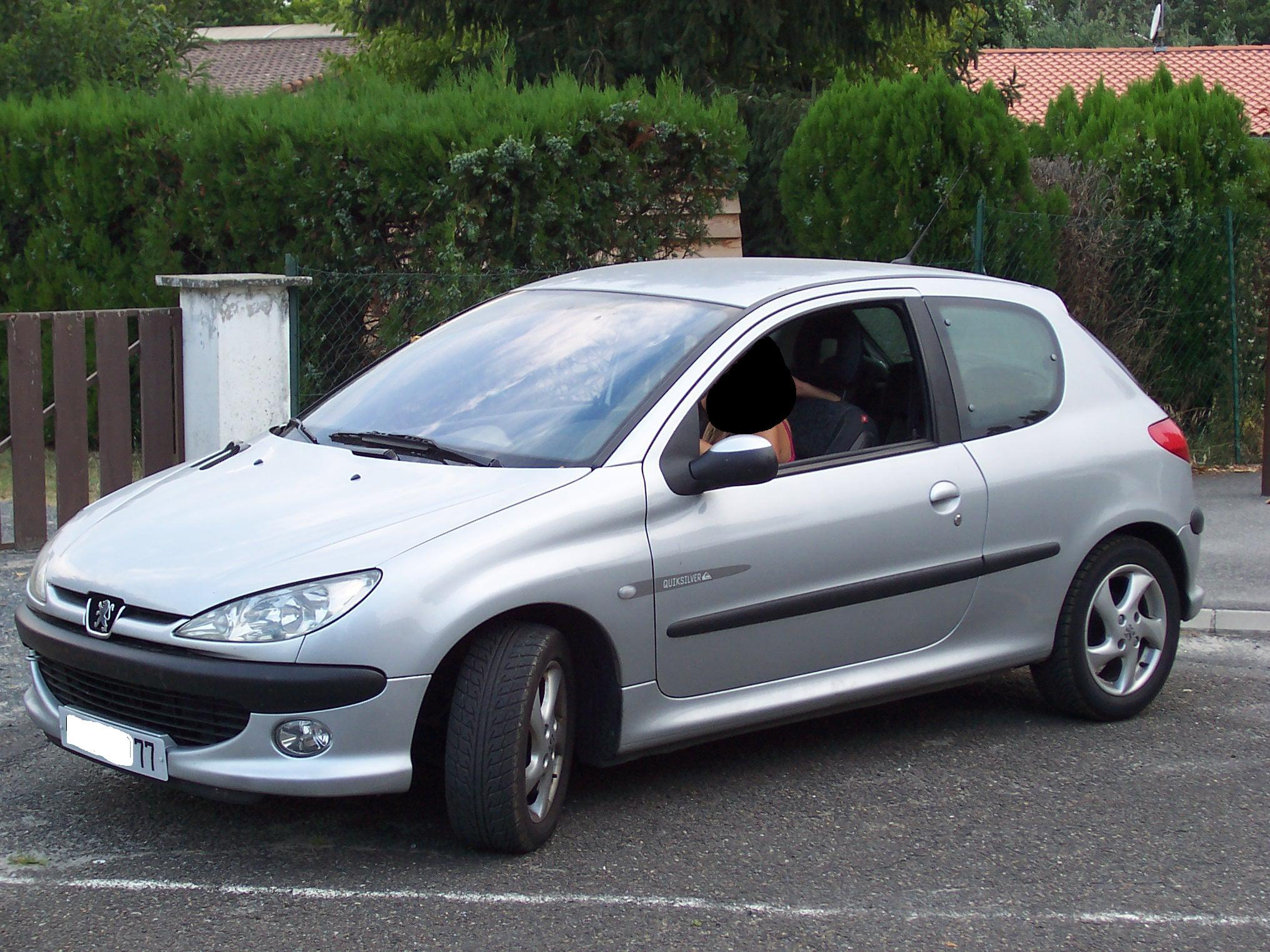 voiture occasion peugeot 206 de 2002 109 500 km. Black Bedroom Furniture Sets. Home Design Ideas