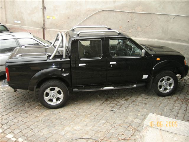 voiture occasion nissan navara de 2005 49 000 km. Black Bedroom Furniture Sets. Home Design Ideas