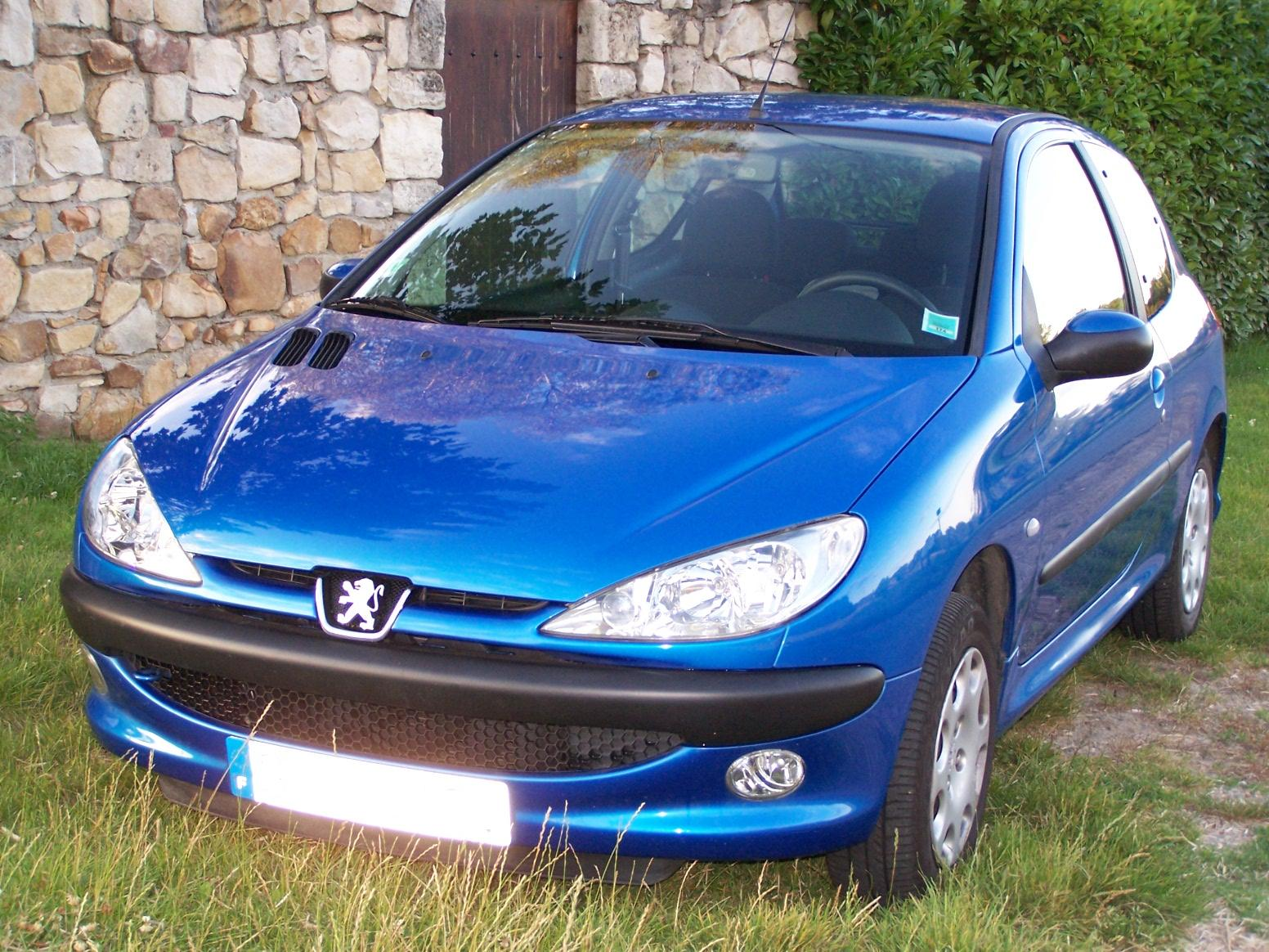 voiture occasion peugeot 206 de 2003 45 000 km. Black Bedroom Furniture Sets. Home Design Ideas