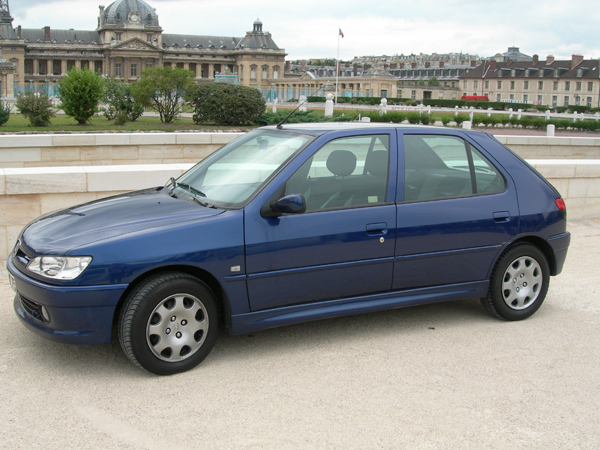 voiture occasion peugeot 306 de 2000 120 000 km. Black Bedroom Furniture Sets. Home Design Ideas