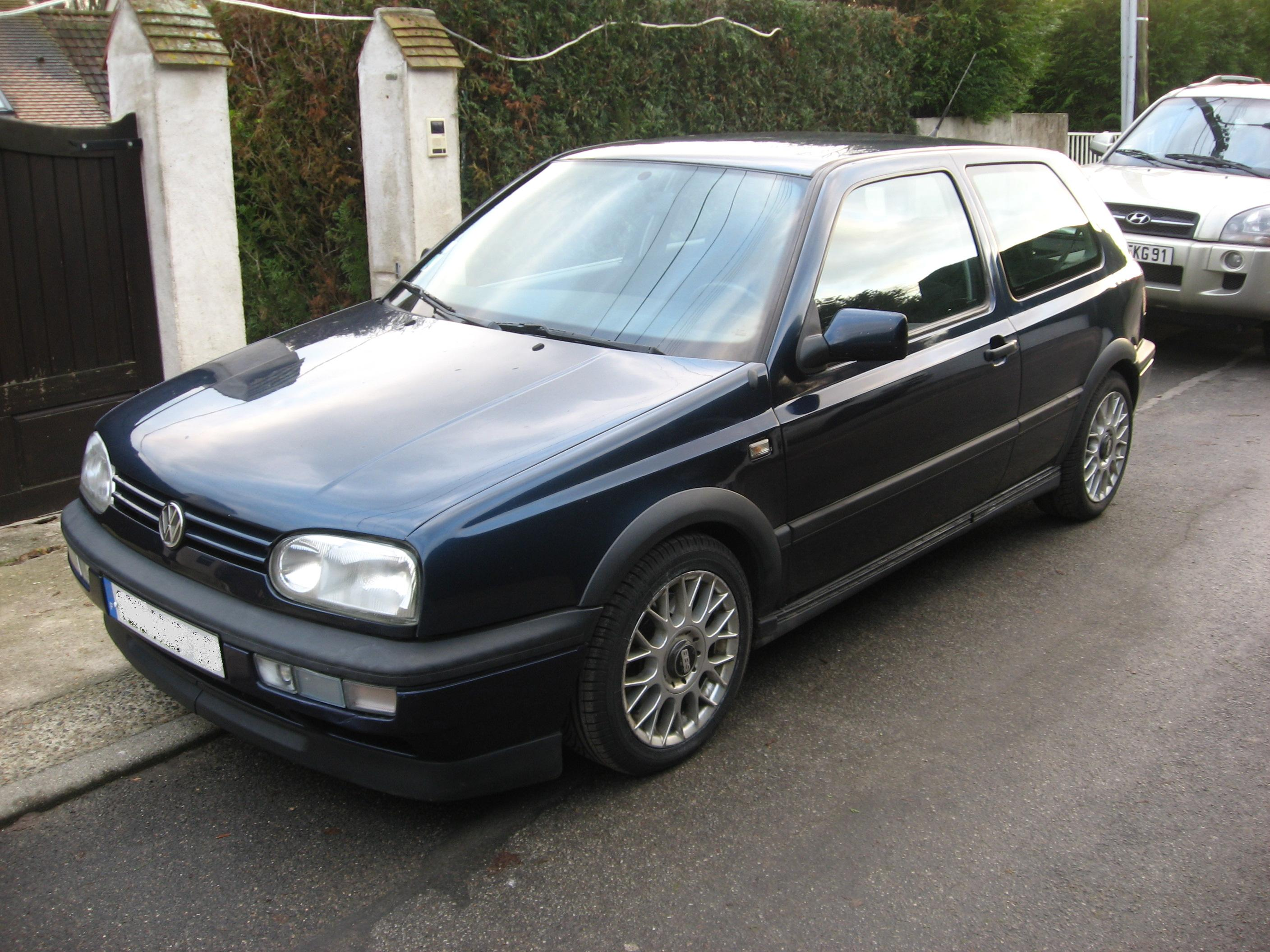 voiture occasion volkswagen golf iii de 1993 140 000 km. Black Bedroom Furniture Sets. Home Design Ideas