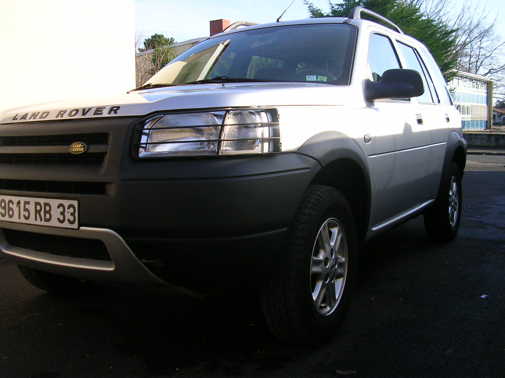voiture occasion land rover freelander de 2003 95 100 km. Black Bedroom Furniture Sets. Home Design Ideas