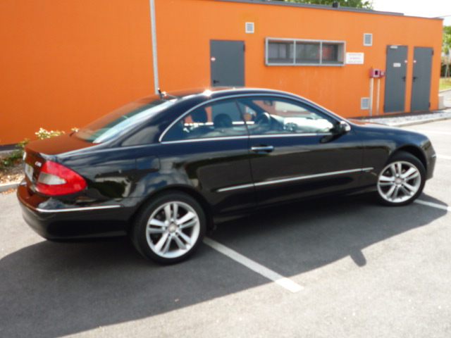 voiture occasion mercedes classe clk de 2008 26 500 km. Black Bedroom Furniture Sets. Home Design Ideas