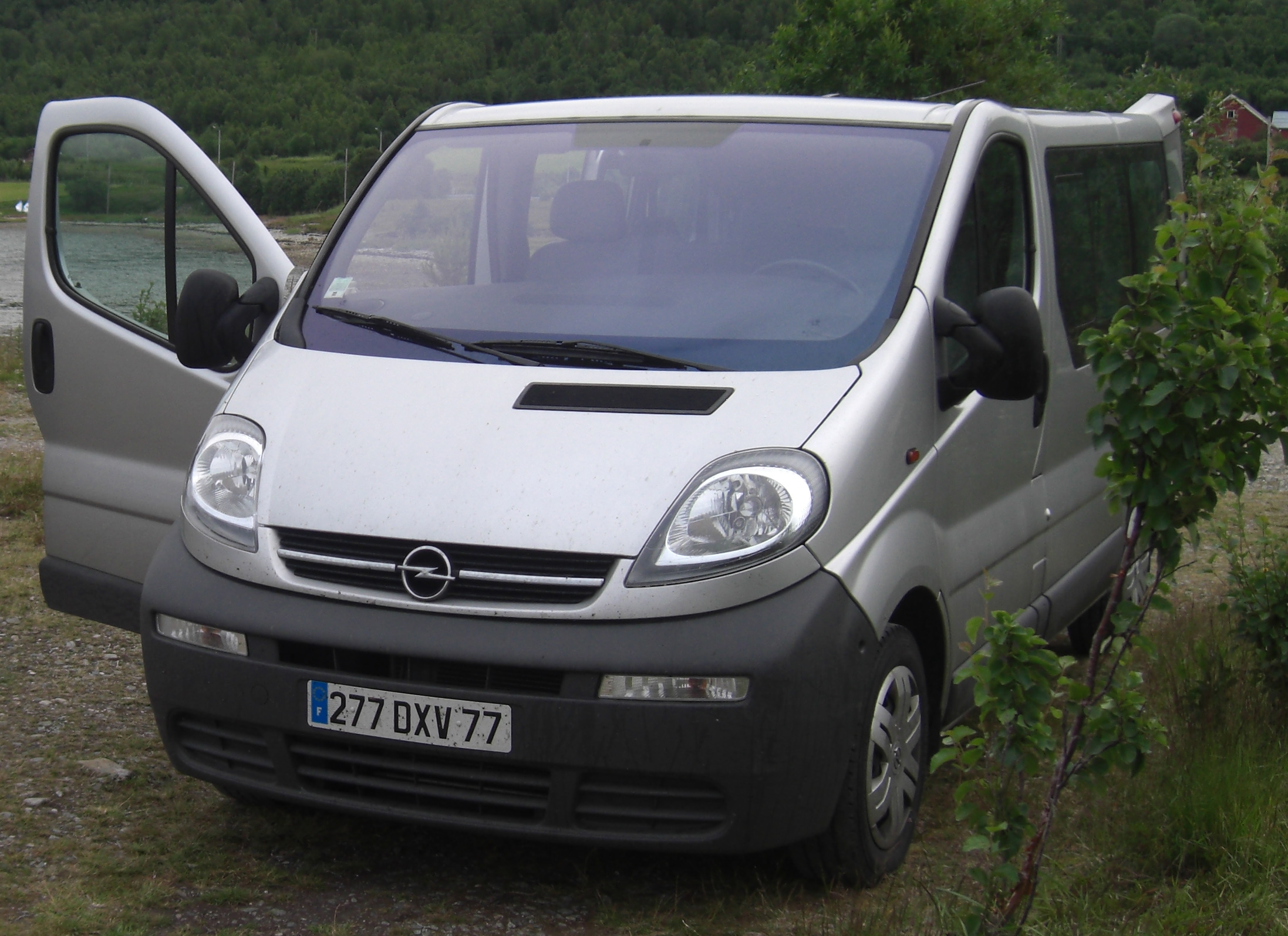 voiture occasion opel autres de 2006 91 000 km. Black Bedroom Furniture Sets. Home Design Ideas