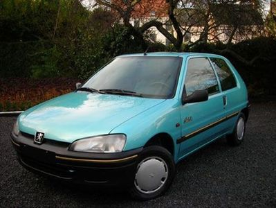 voiture occasion peugeot 106 de 1998 71 727 km. Black Bedroom Furniture Sets. Home Design Ideas