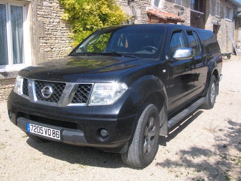 voiture occasion nissan navara de 2006 81 000 km. Black Bedroom Furniture Sets. Home Design Ideas