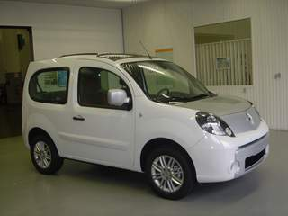 voiture occasion renault kangoo de 2010 4 000 km. Black Bedroom Furniture Sets. Home Design Ideas