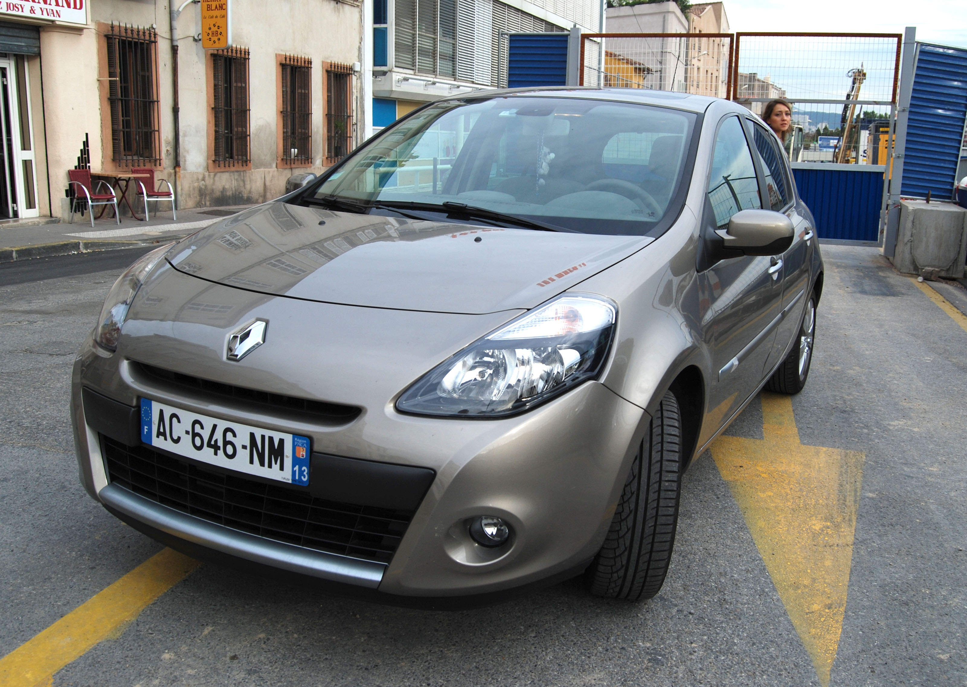 clio 3 phase 2 occasion voiture occasion renault clio iii de 2009 30 100 km renault clio iii. Black Bedroom Furniture Sets. Home Design Ideas