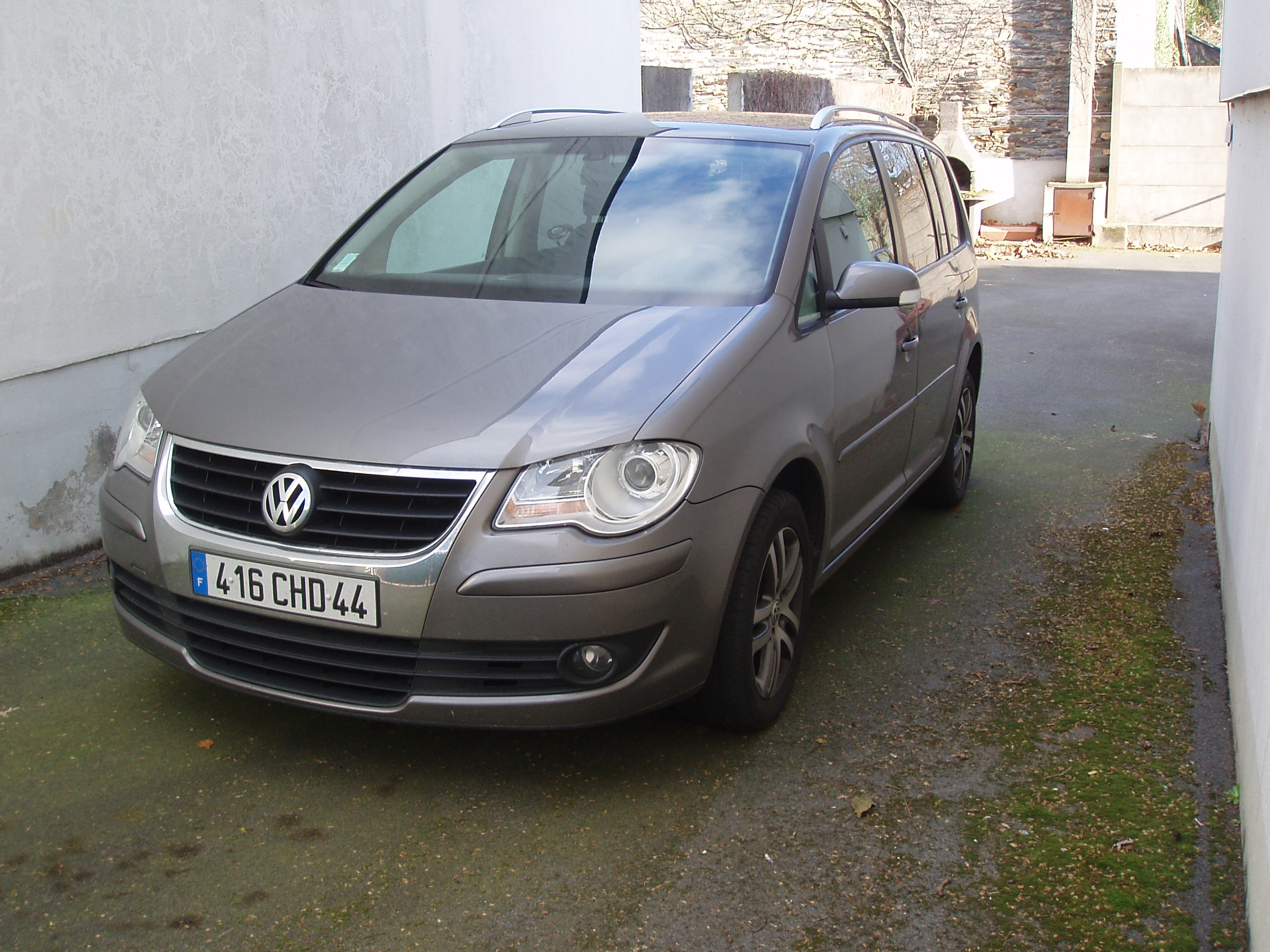 voiture occasion volkswagen touran de 2008 67 500 km. Black Bedroom Furniture Sets. Home Design Ideas