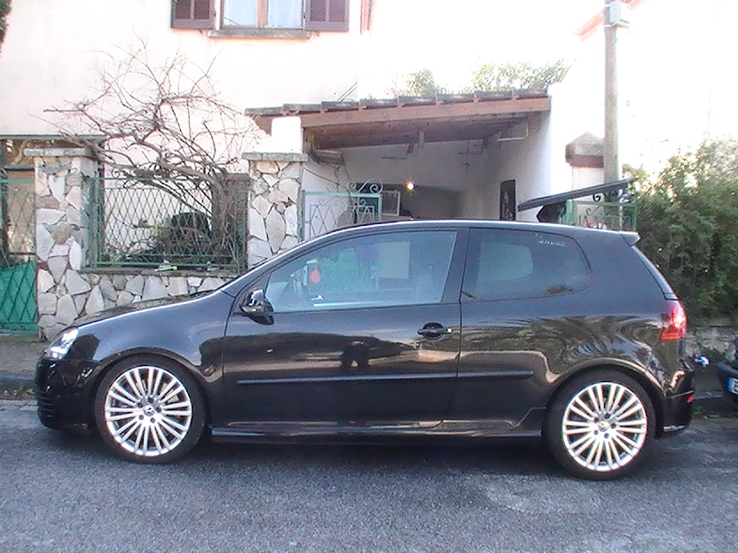 voiture occasion volkswagen golf v de 2006 49 000 km. Black Bedroom Furniture Sets. Home Design Ideas