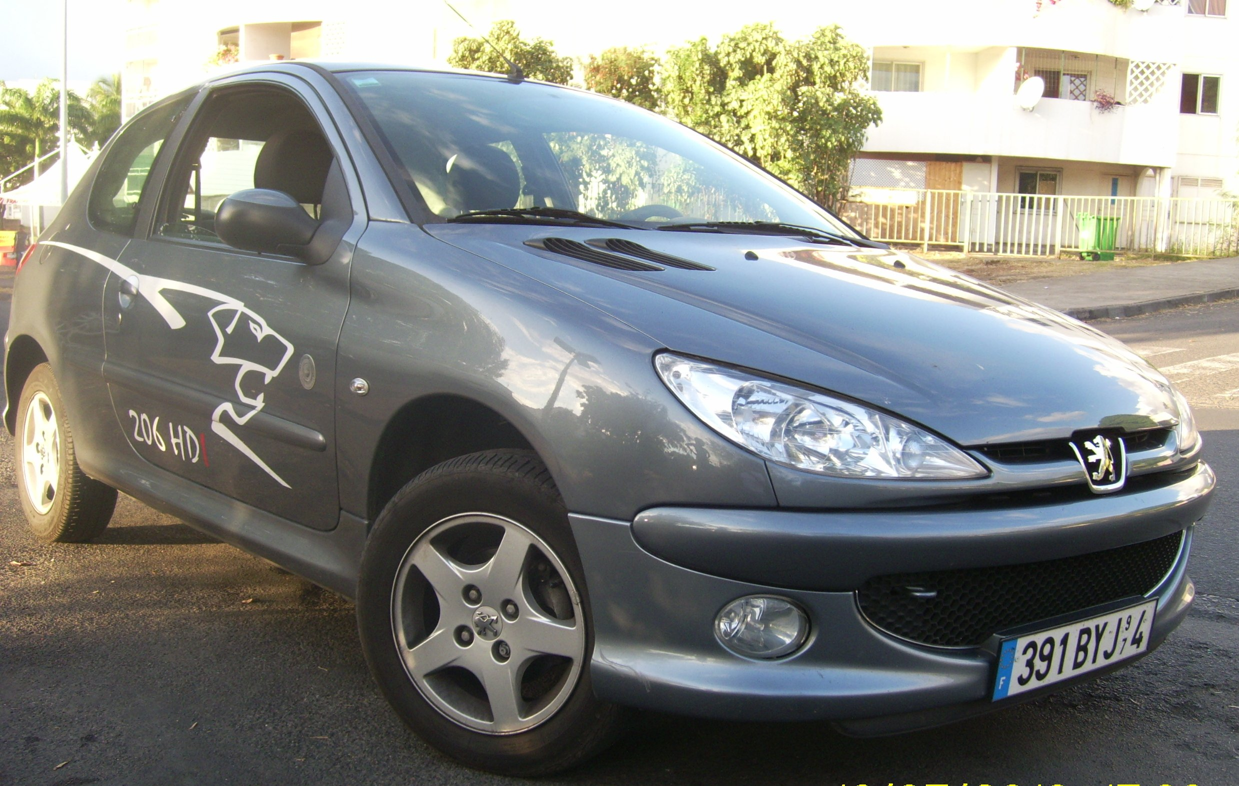 voiture occasion peugeot 206 de 2008 80 000 km. Black Bedroom Furniture Sets. Home Design Ideas