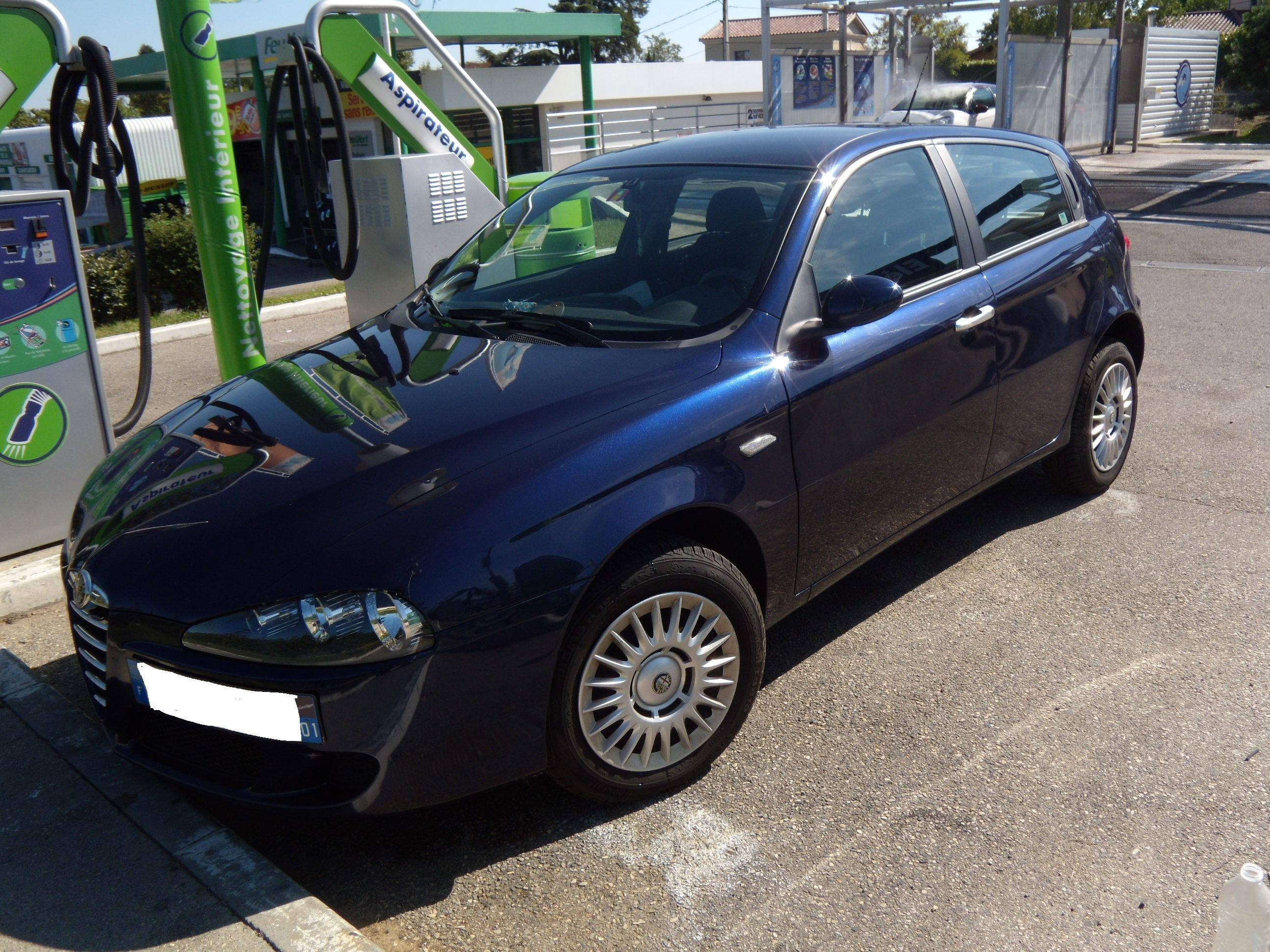 voiture occasion alfa romeo 147 de 2005 120 000 km. Black Bedroom Furniture Sets. Home Design Ideas
