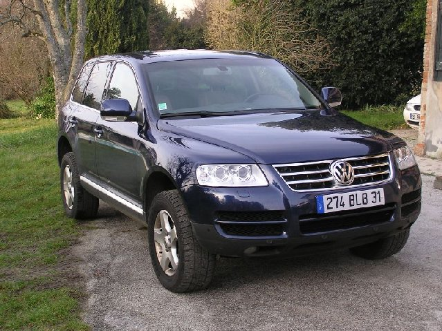voiture occasion volkswagen touareg de 2005 68 000 km. Black Bedroom Furniture Sets. Home Design Ideas