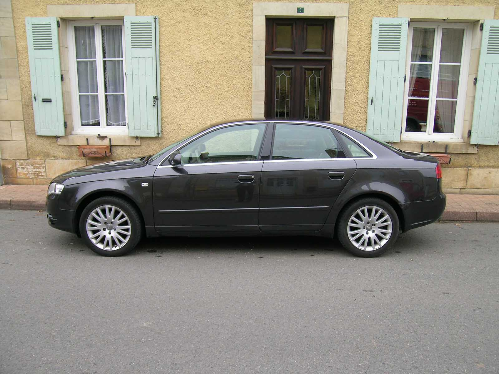 voiture occasion audi a4 de 2007 122 000 km. Black Bedroom Furniture Sets. Home Design Ideas