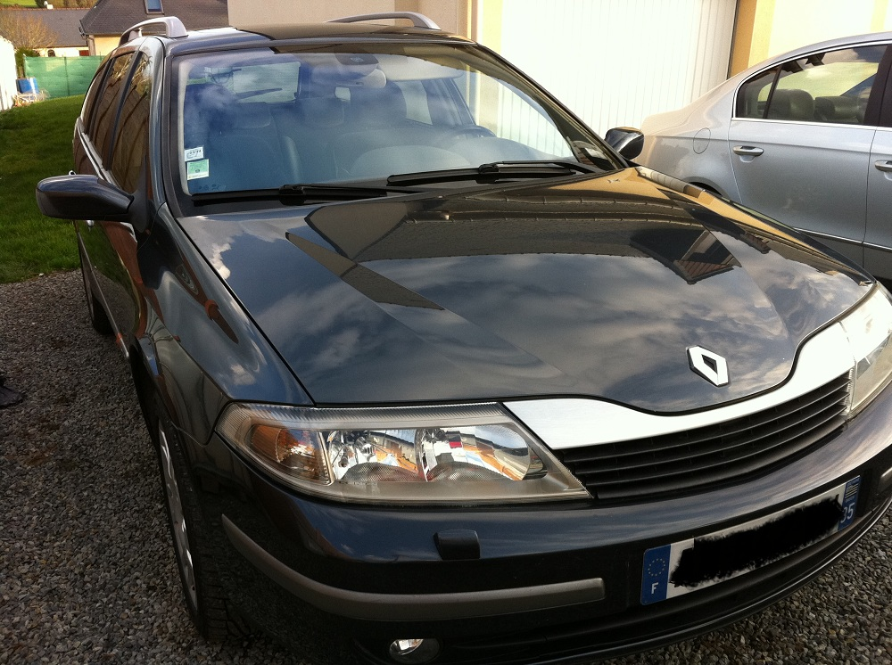 voiture occasion renault laguna ii de 2004 152 000 km. Black Bedroom Furniture Sets. Home Design Ideas