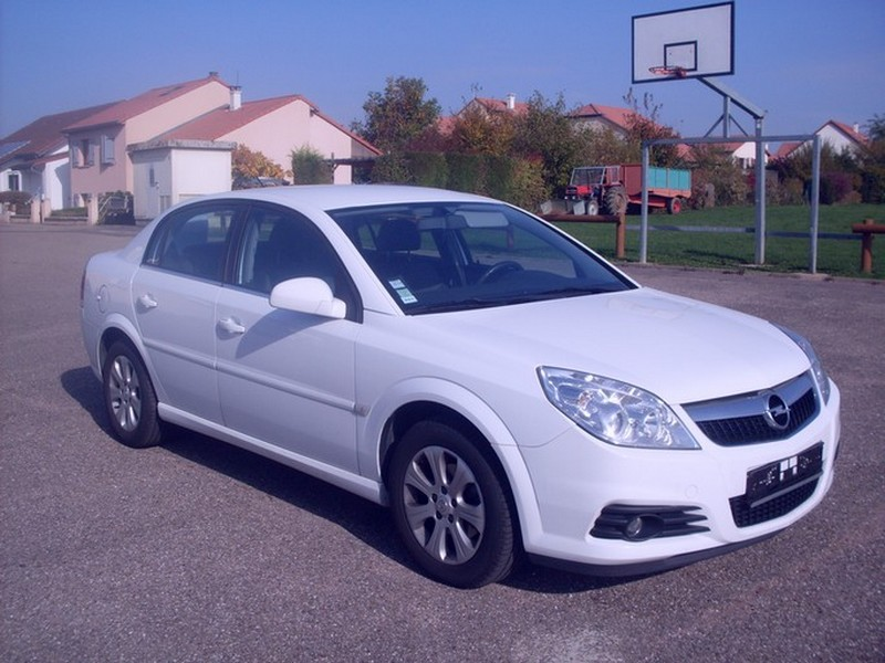 voiture occasion opel vectra de 2008 110 000 km. Black Bedroom Furniture Sets. Home Design Ideas