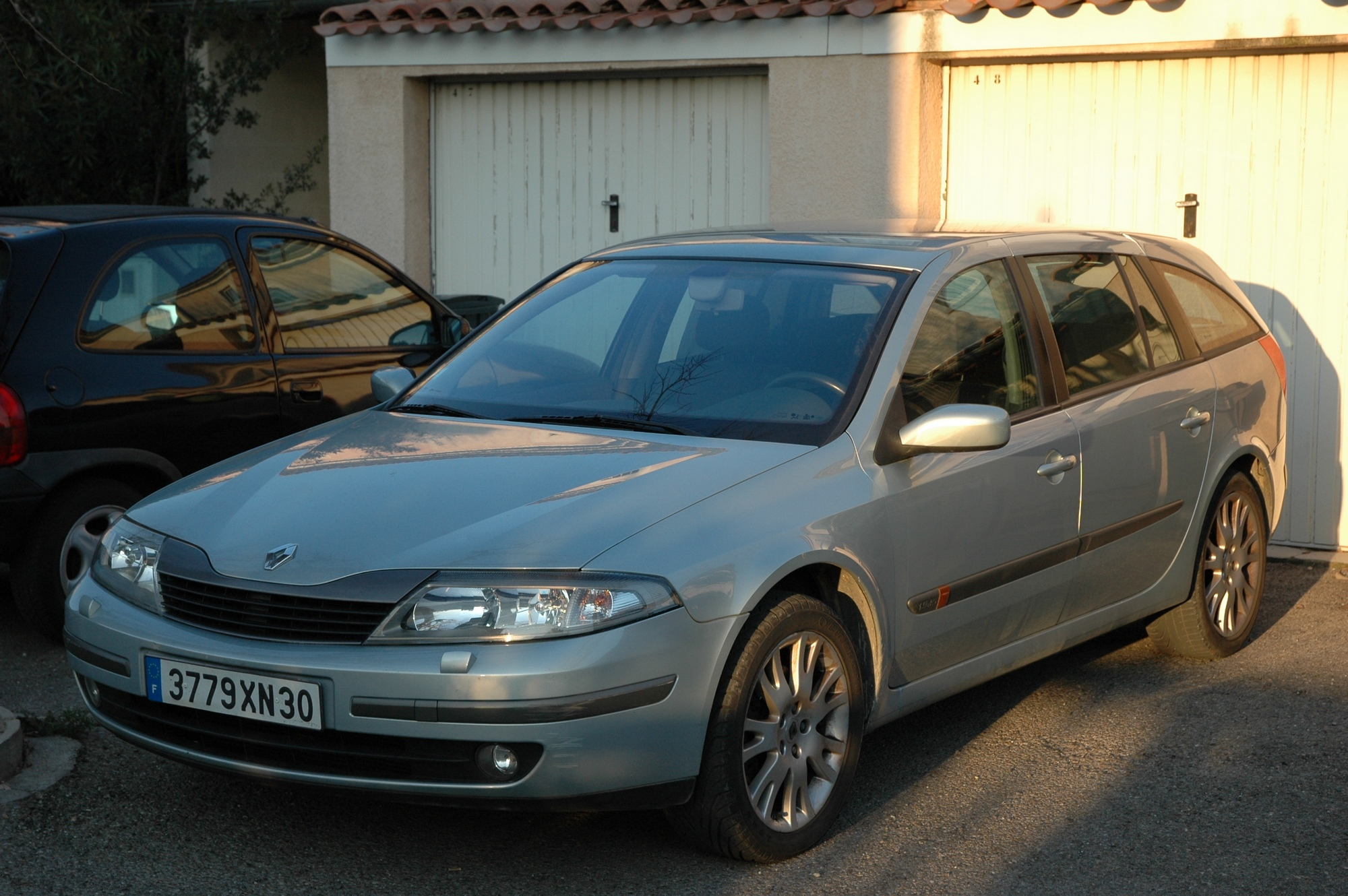 voiture occasion renault laguna ii de 2001 130 000 km. Black Bedroom Furniture Sets. Home Design Ideas