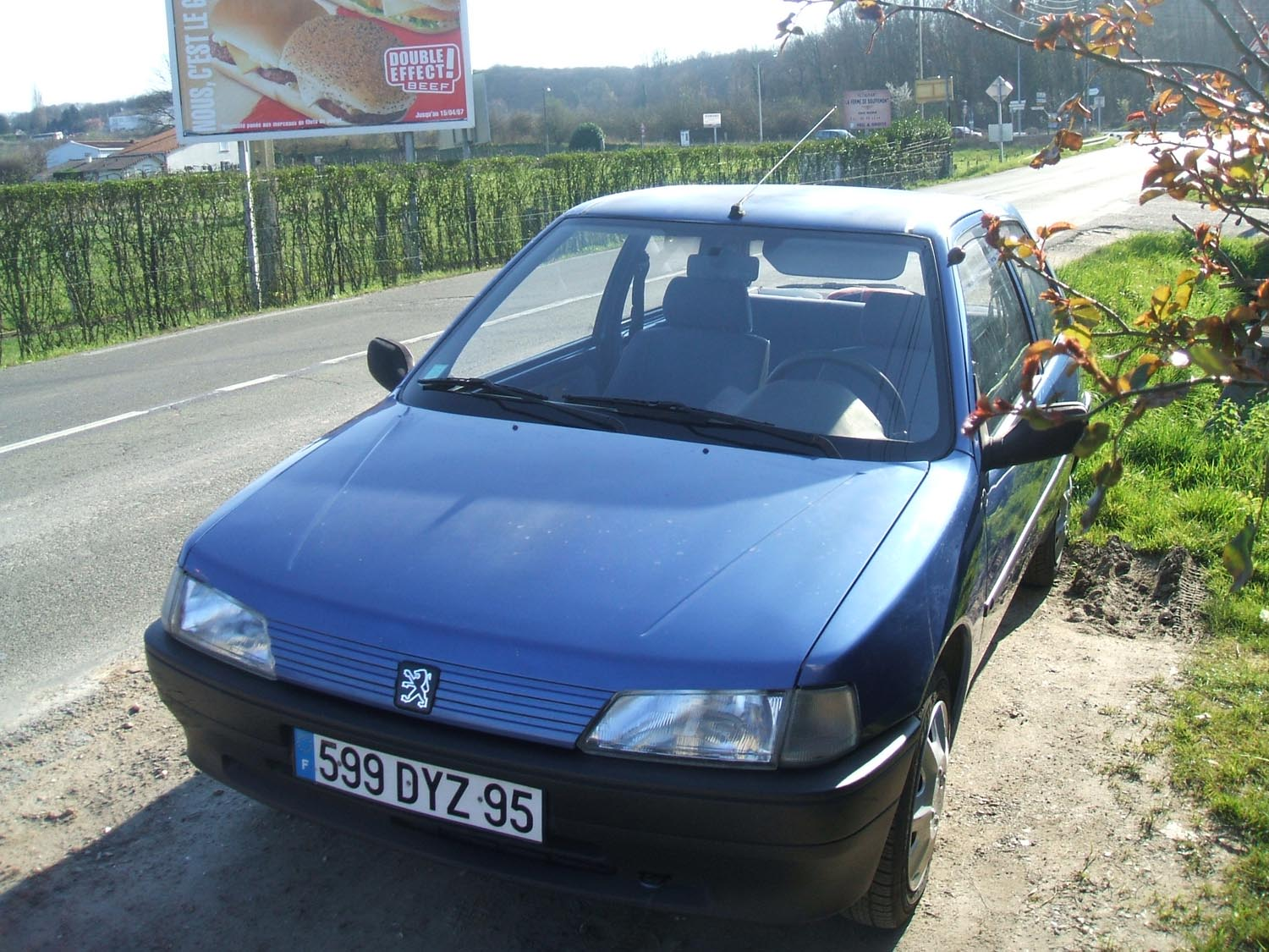voiture occasion peugeot 106 de 1994 156 000 km. Black Bedroom Furniture Sets. Home Design Ideas