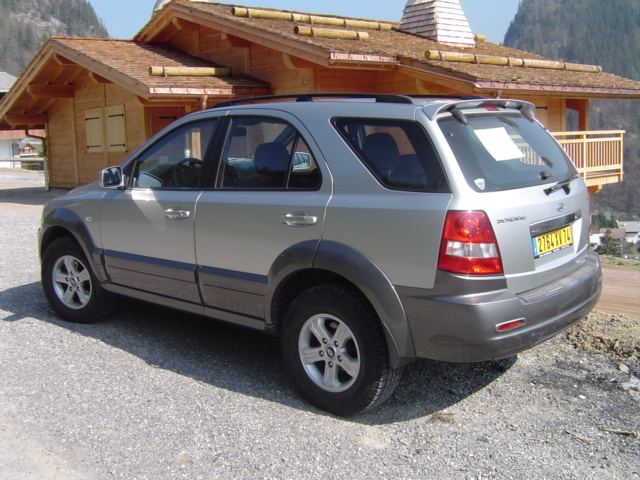 voiture occasion kia sorento de 2003 66 000 km. Black Bedroom Furniture Sets. Home Design Ideas